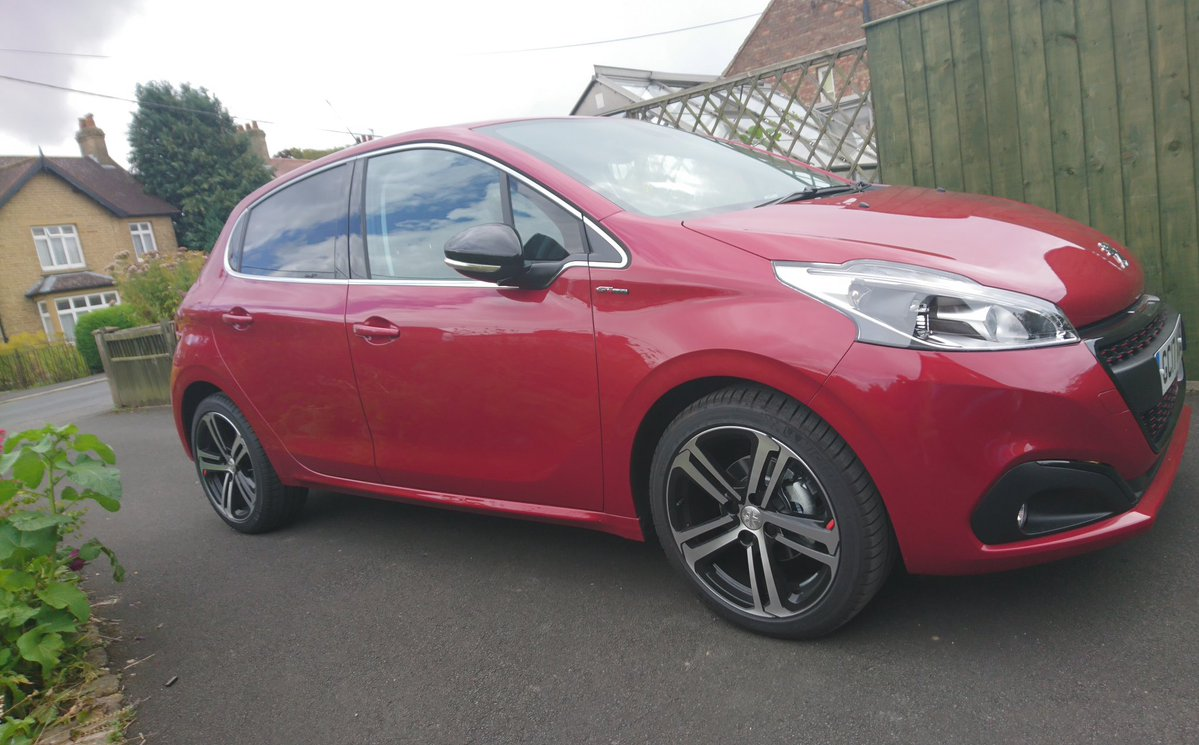 Mandy Silk - Peugeot 208 Customer Testimonial - Yorkshire Fleet